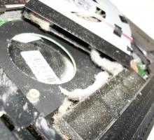 ¿Por qué limpiar el interior del portátil?